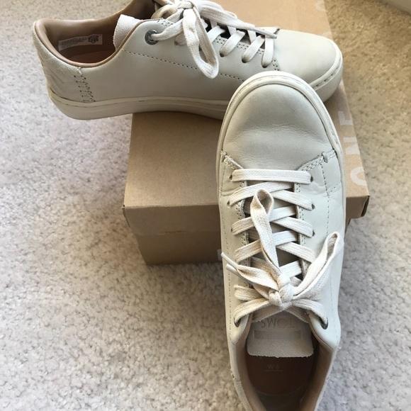 4b9c90041e9 Toms Women s Lenox sneakers Birch Nubuck Size 5. M 5b1e061504e33d279053cd05